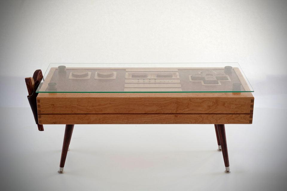 Кофейный столик в форме действующего джойстика для Dendy