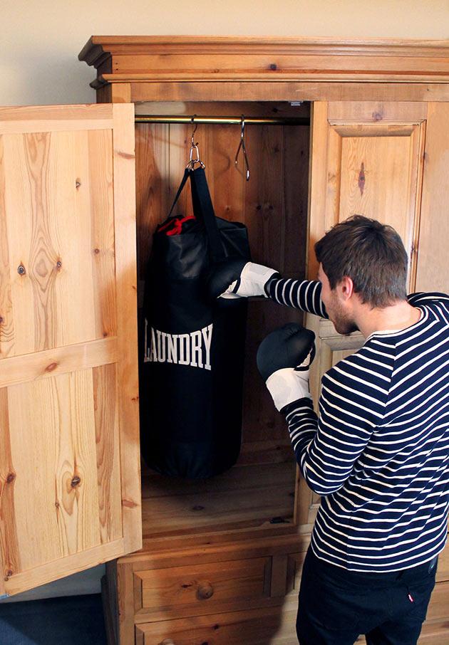 02-Punching-Laundry-Bag