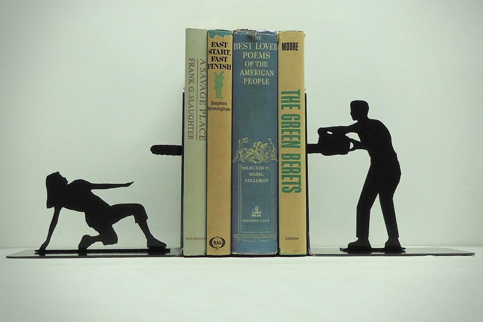 Chainsaw-Attack-Metal-Art-Bookends