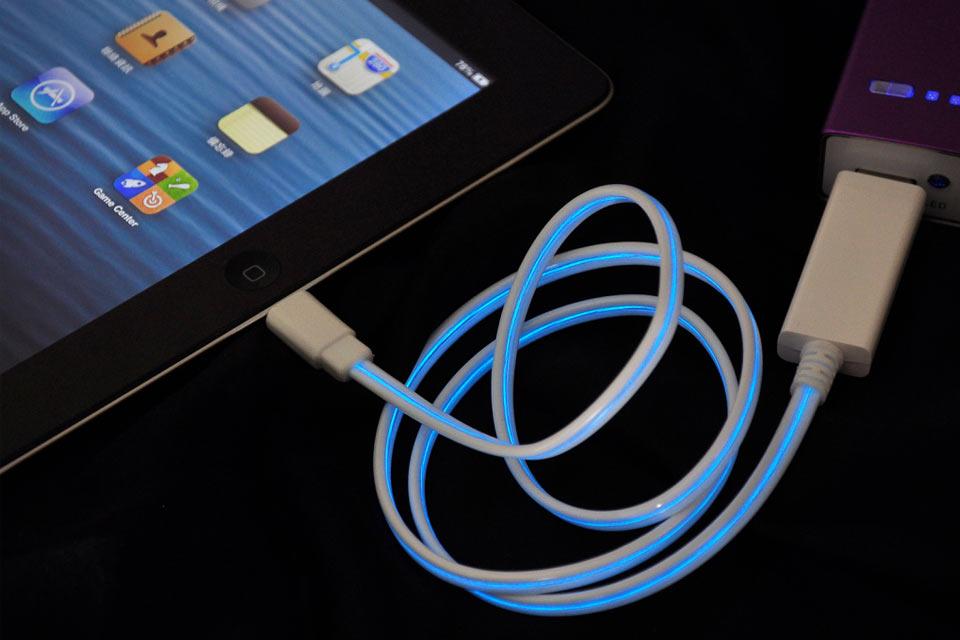 Светящийся кабель для зарядки iPhone/iPad