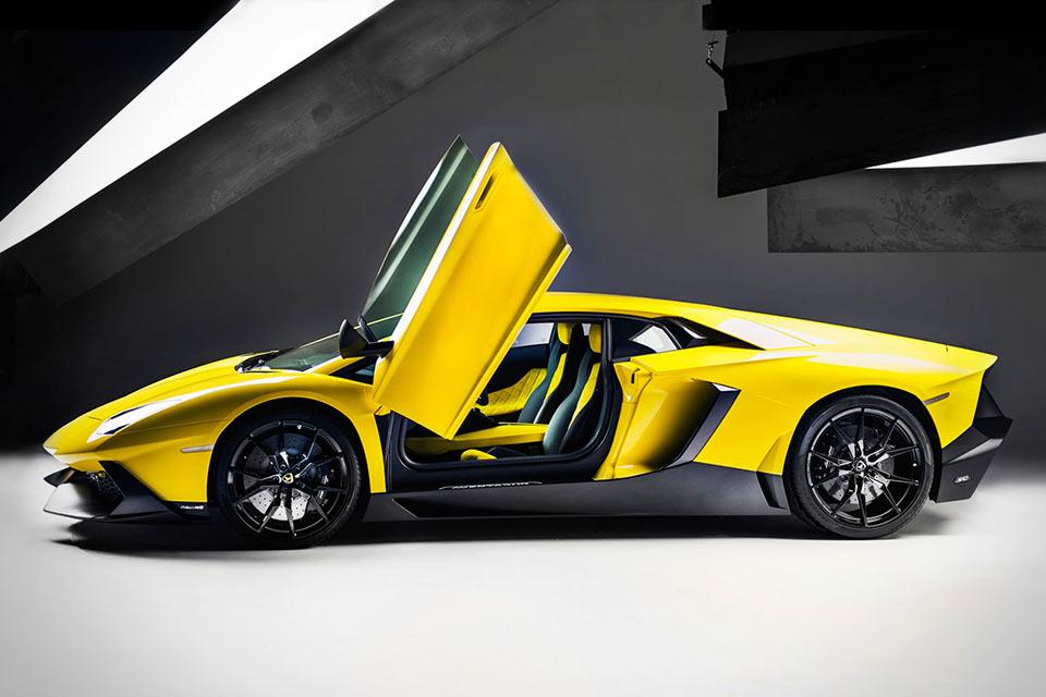 Суперкар Lamborghini Aventador LP 720-4 50th Anniversary