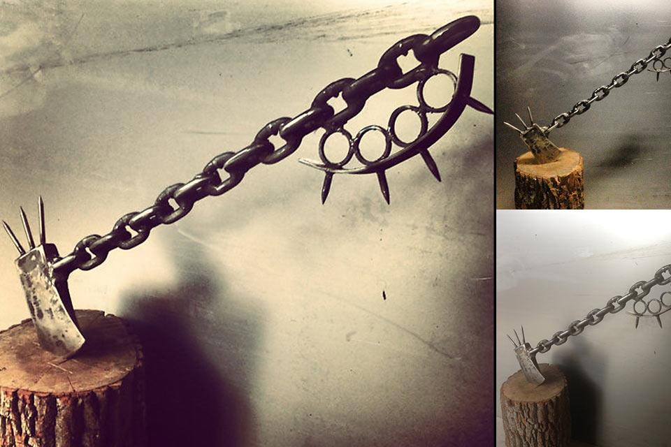 Топор Chain Link Zombie Slayer