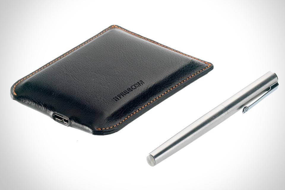 Стильный винчестер  Freecom Mobile Drive XXS Leather