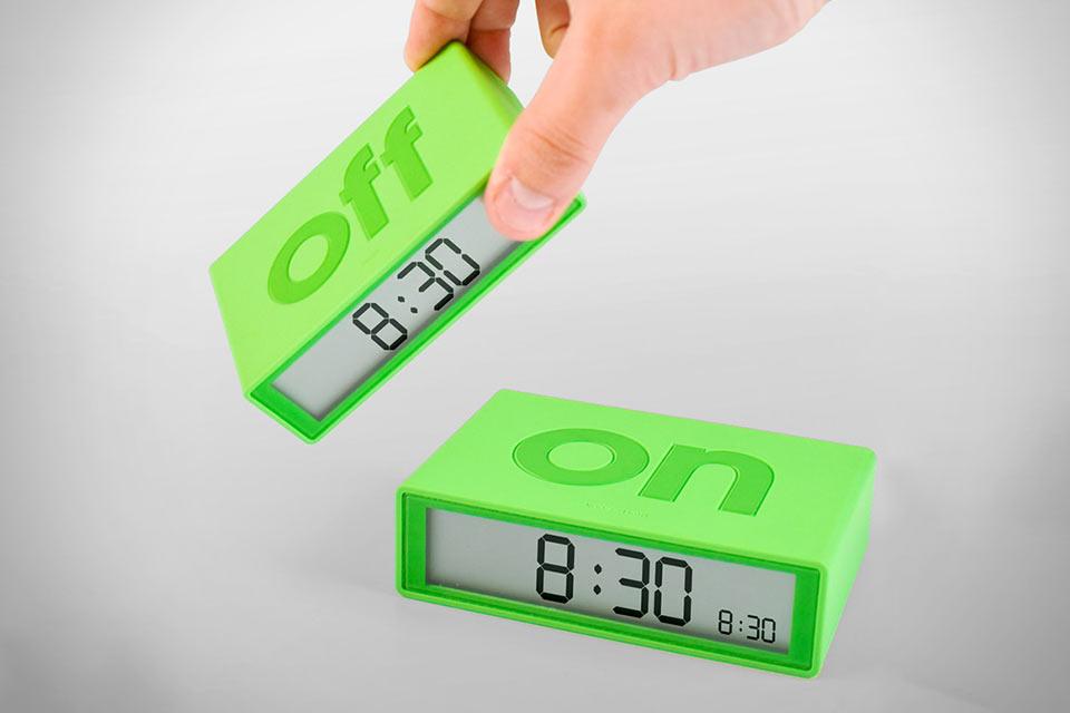 Простой будильник Lexon Flip Alarm Clock