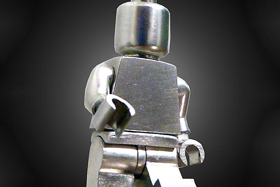 Фигурка LEGO из чистого серебра