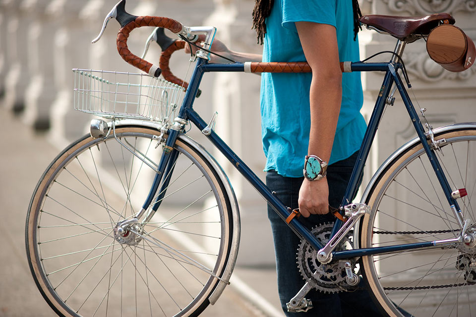 Воловеччина: молода дівчина вкрала велосипед