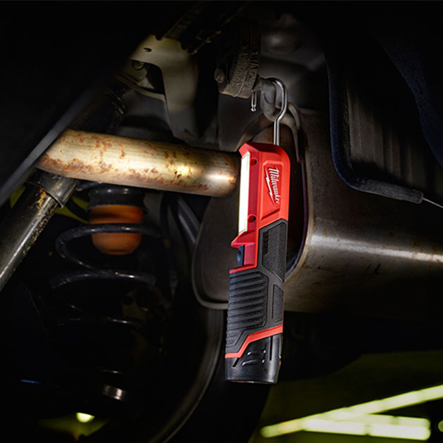 03-Milwaukee-M12-LED-Stick-Light