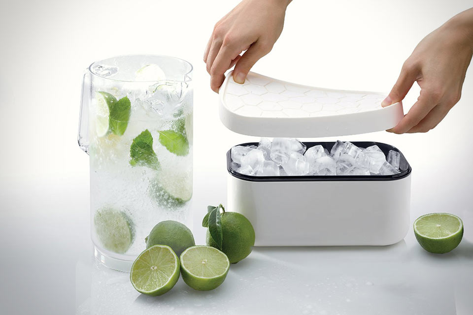 Форма и контейнер для льда Lekue Ice Box