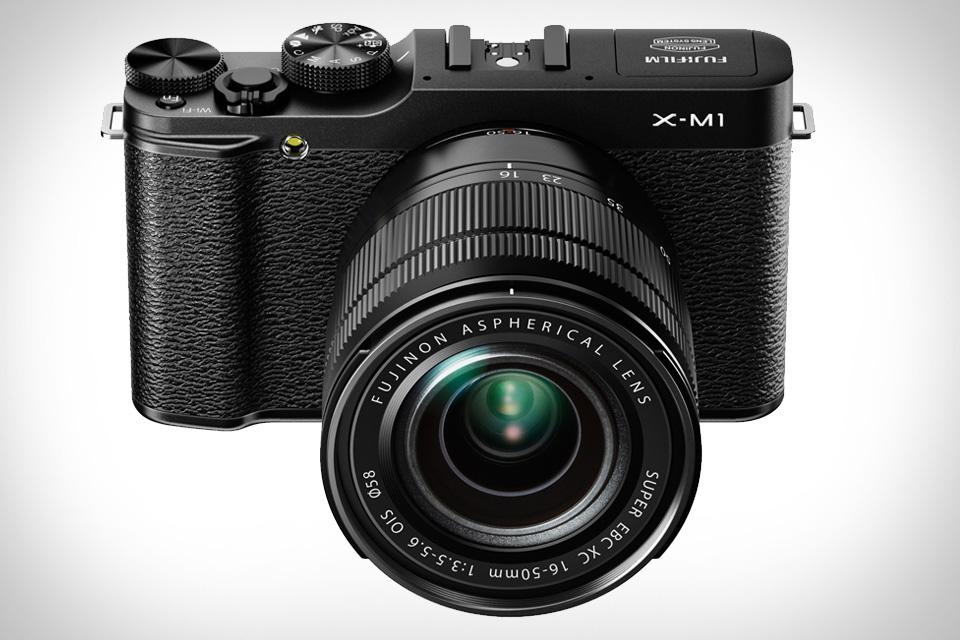 Беззеркальная камера Fuji X-M1