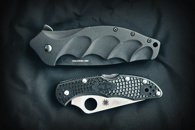 crkt-foresight-and-spyderco-delica-closed