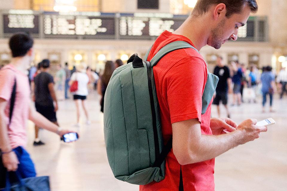 Рюкзак Defender с защитой от воришек