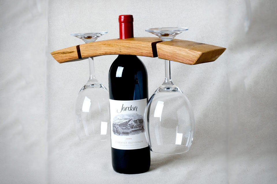 Необычный держатель для винных бокалов Barrel Stave Butler