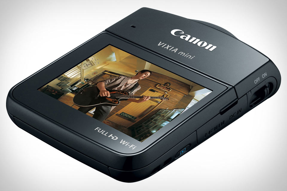 Миниатюрный Full HD камкордер Canon Vixia Mini