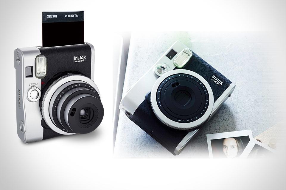 Миниатюрный ретро-фотоаппарат со встроенным принтером Fujifilm Instax Mini 90