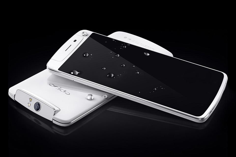 Смартфон с вращающейся камерой Oppo N1