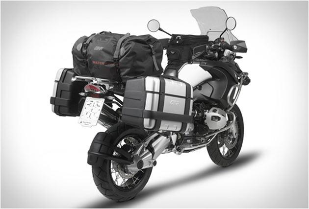 02-Givi-Weatherproof-Bags