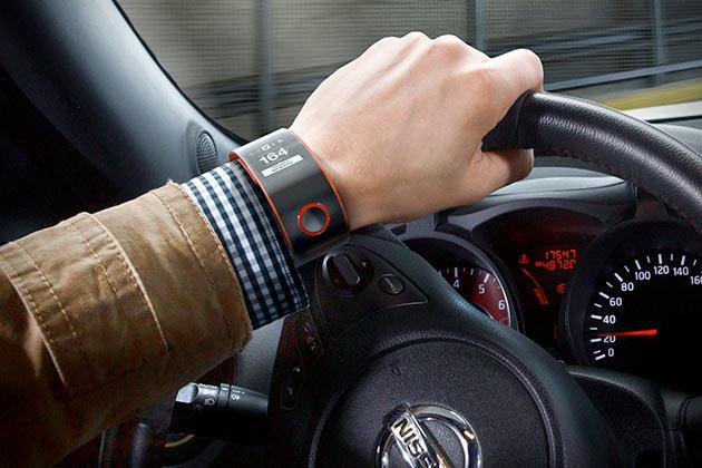 02-NISMO-Smartwatch