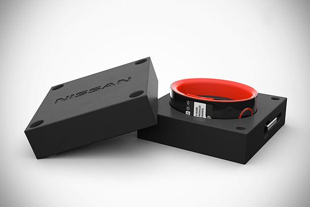 03-NISMO-Smartwatch