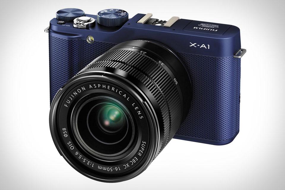 Дешевая беззеркальная камера  Fujifilm X-A1 с большим сенсором