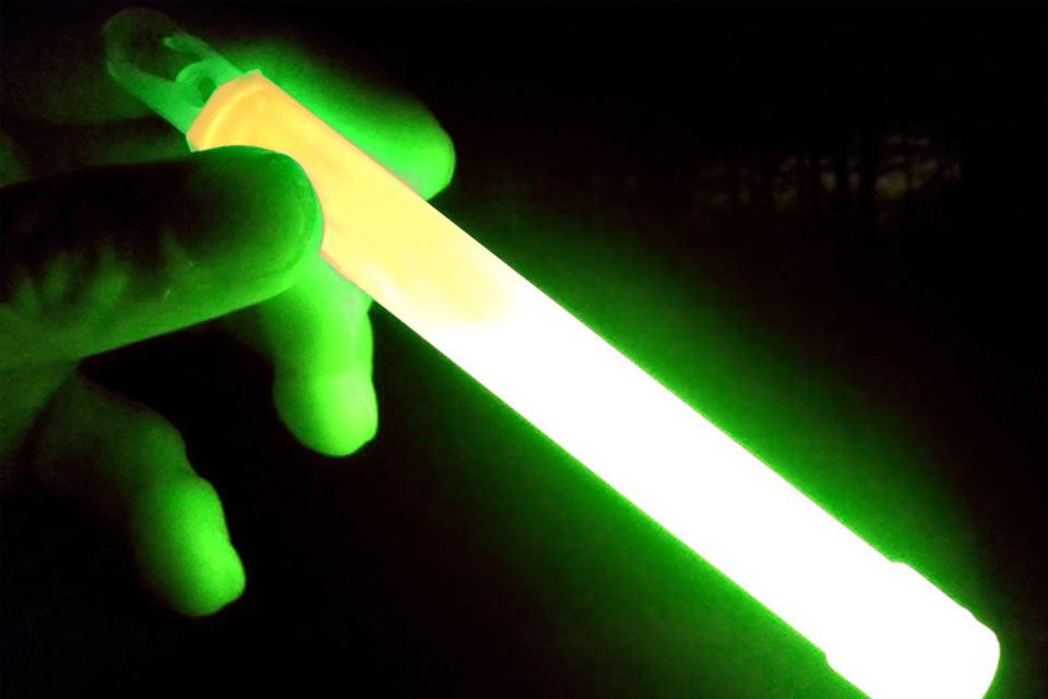Химический источник света Cyalume на 12 часов