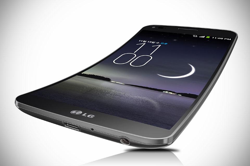 Гнутый смартфон LG G Flex с самовосстанавливающимся покрытием корпуса