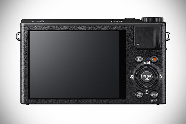 02-Fujifilm-XQ1