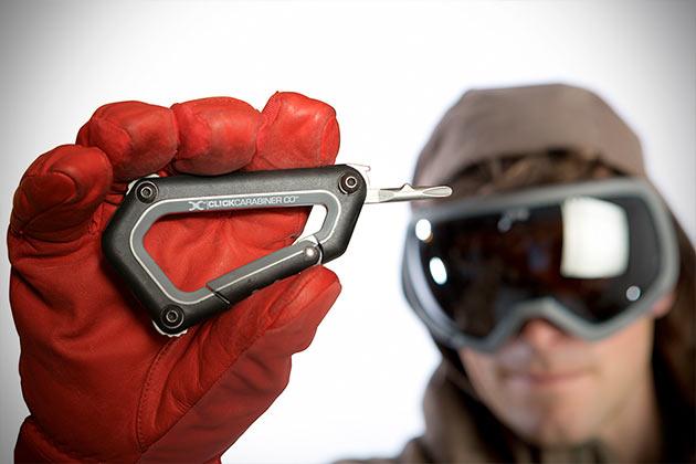 03-Click-Carabiner-Snowboard-and-Ski-Binding-Tool