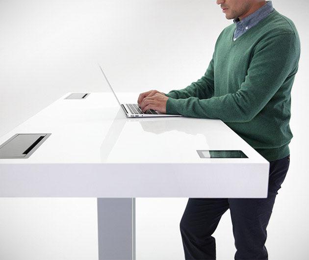 03-Stir-Kinetic-Desk