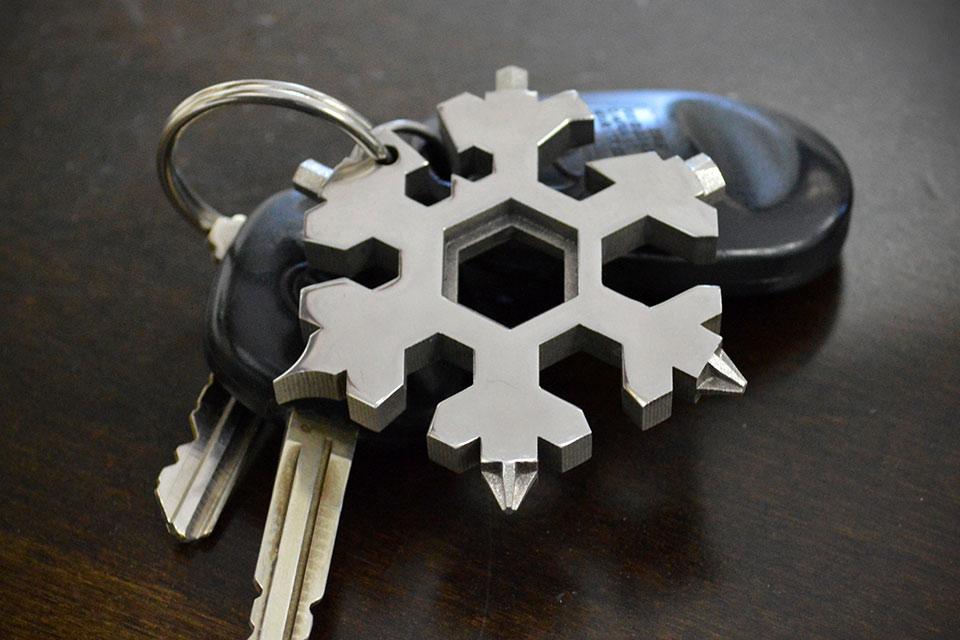 Компактный мультитул-снежинка HexFlex