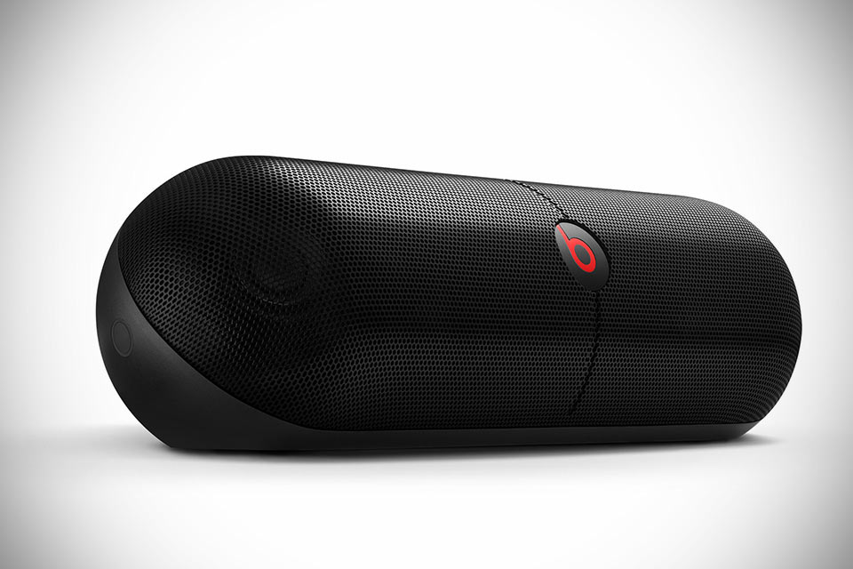 Мощная Bluetooth-акустика Beats Pill XL с функцией подзарядки смартфона