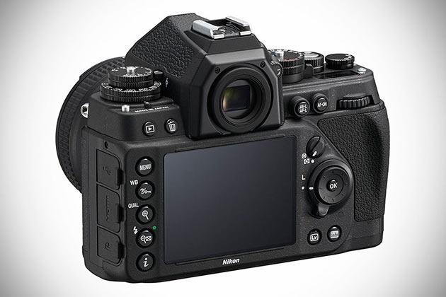 02-Nikon-Df