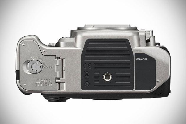 08-Nikon-Df