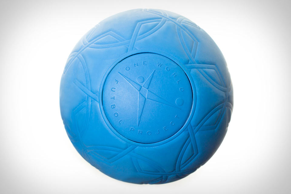 Неуничтожимый мяч One World Futbol