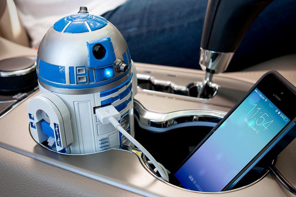 USB-зарядка для автомобиля в виде робота R2-D2