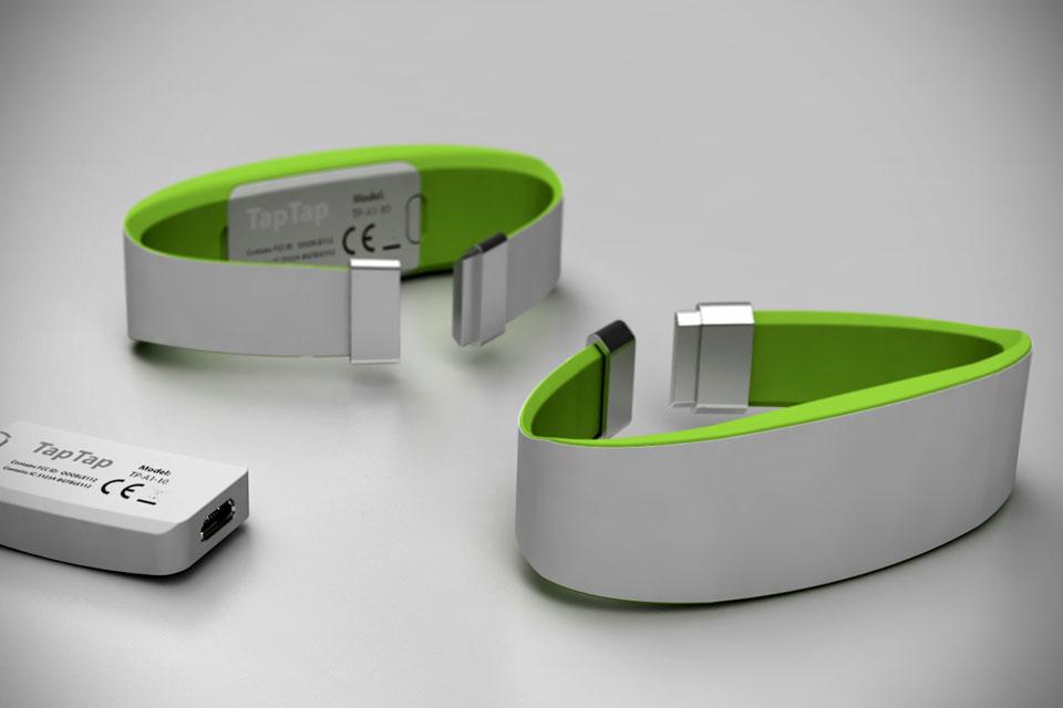 Коммуникационный браслет TapTap для близких людей