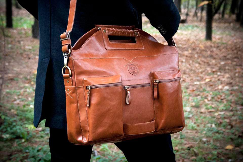 Кожаная сумка-рюкзак Chivote Boombox в форме бумбокса
