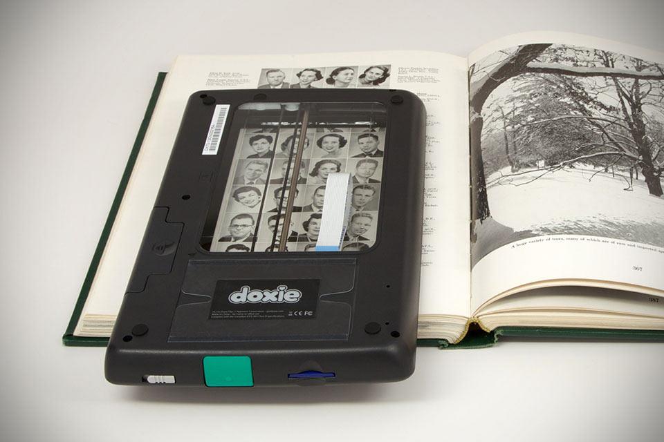 Портативный сканер книг Doxie Flip Scanner