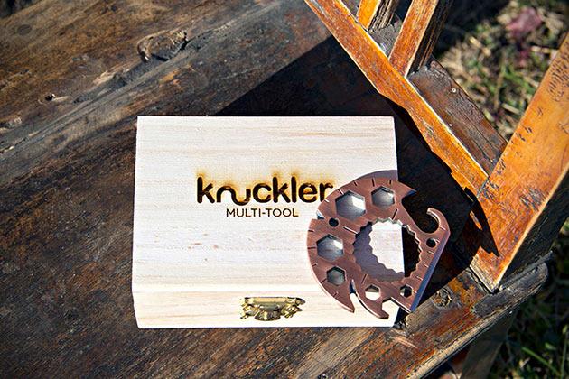 02-The-Knuckler