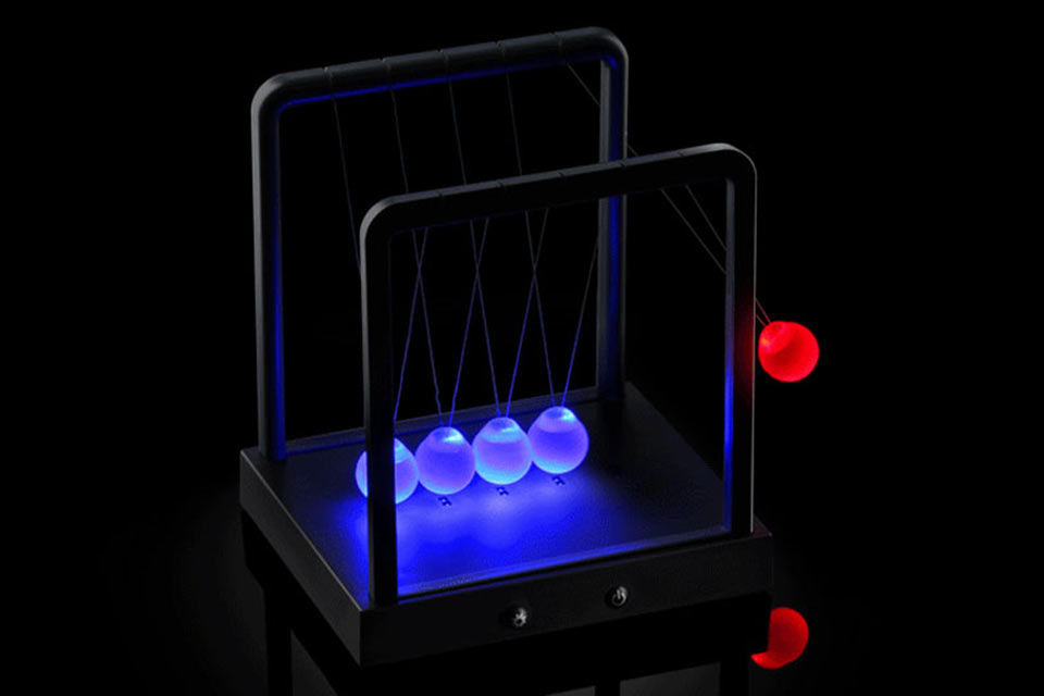 Светящийся маятник Ньютона Kinetic Light Newton's Cradle
