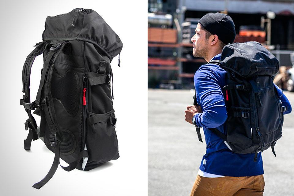 Рюкзак DSPTCH Ruckpack с военной конструкцией
