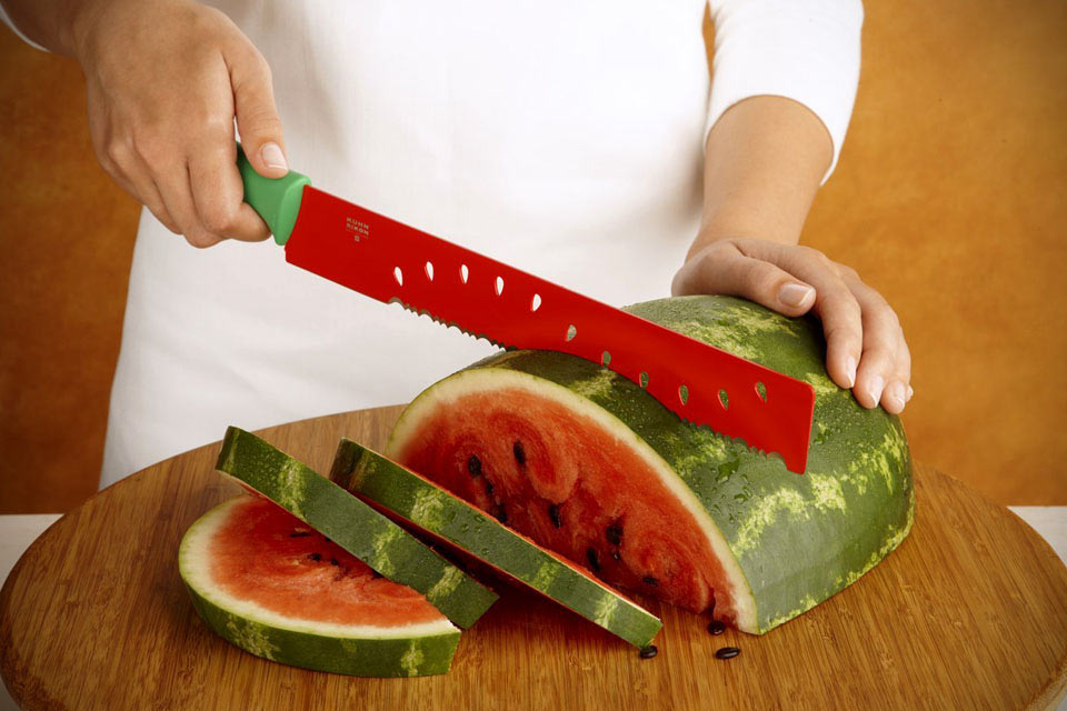 Цветной нож Kuhn-Rikon Melon для шинкования арбузов
