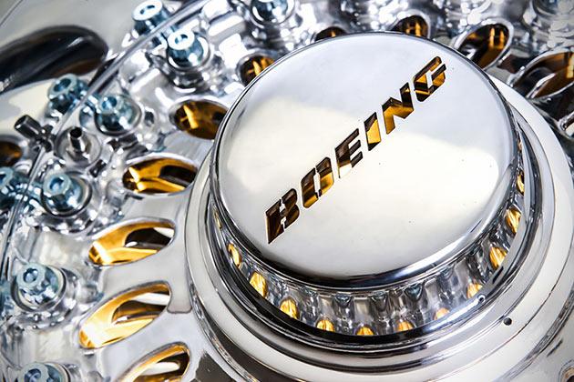 05-Boeing-777-Wheel-Coffee-Table