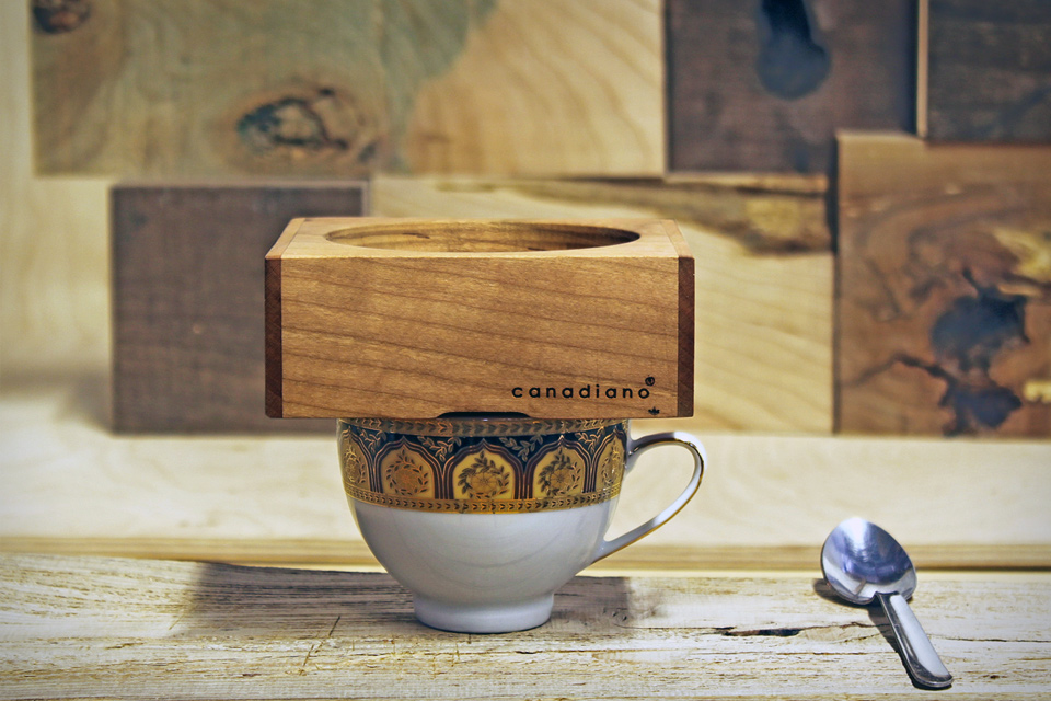 Минималистичная деревянная кофеварка Canadiano Coffee Maker