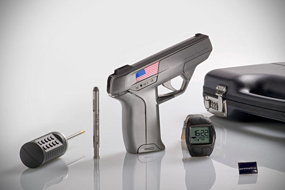Пистолет Armatix iP1 с электронной системой идентификации пользователя