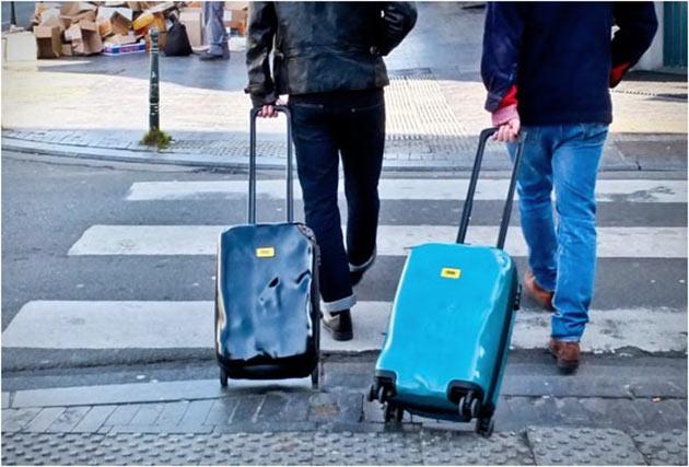 04-Crash-baggage