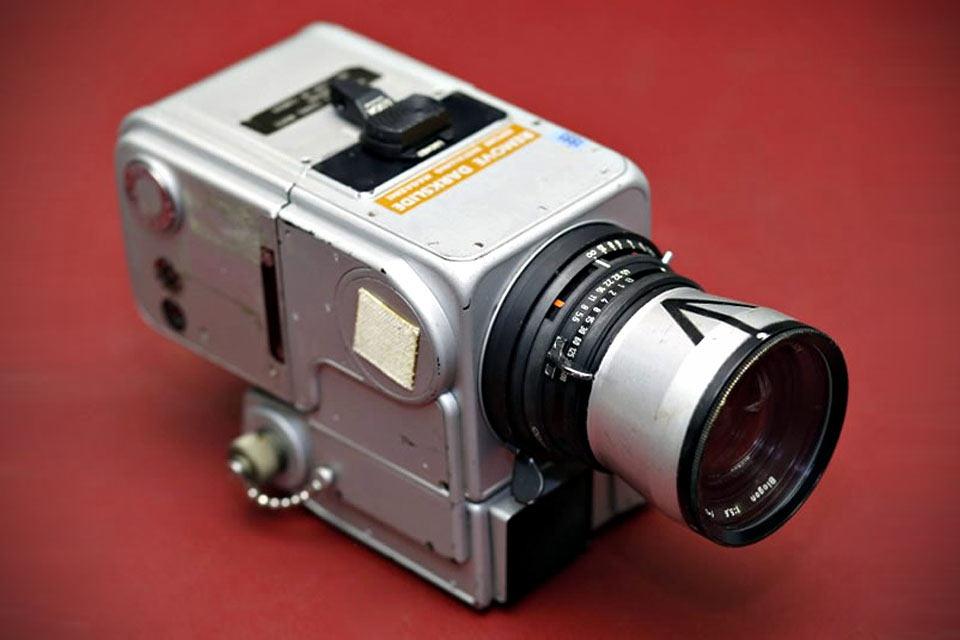 Побывавшая на луне камера Hasselblad 500 'EL DATA CAMERA' NASA