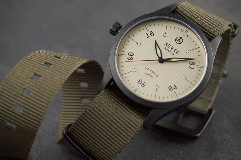 Симпатичные кварцевые часы Aevig Corvid Sand