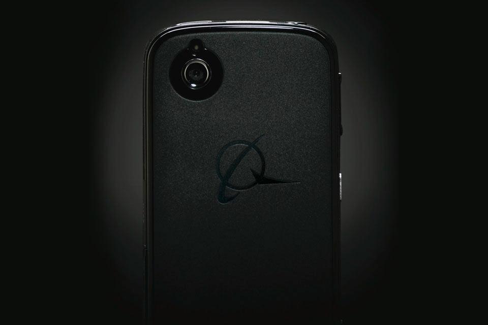 Модульный Android-смартфон Boeing Black Phone для секретных агентов