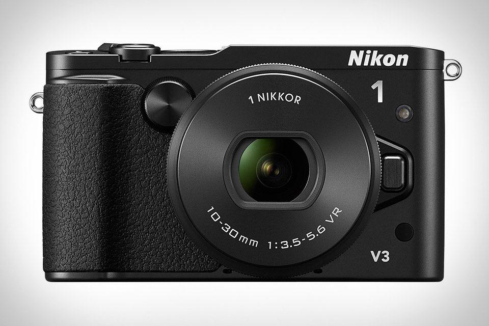 Компактная камера Nikon 1 V3 с мощным автофокусом