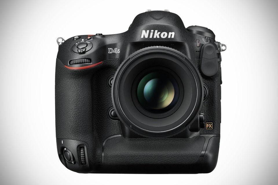 Зеркалка Nikon D4S для фотоманьяков
